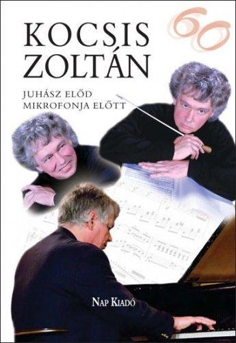 Kocsis Zoltán Juhász - Előd mikrofonja előtt